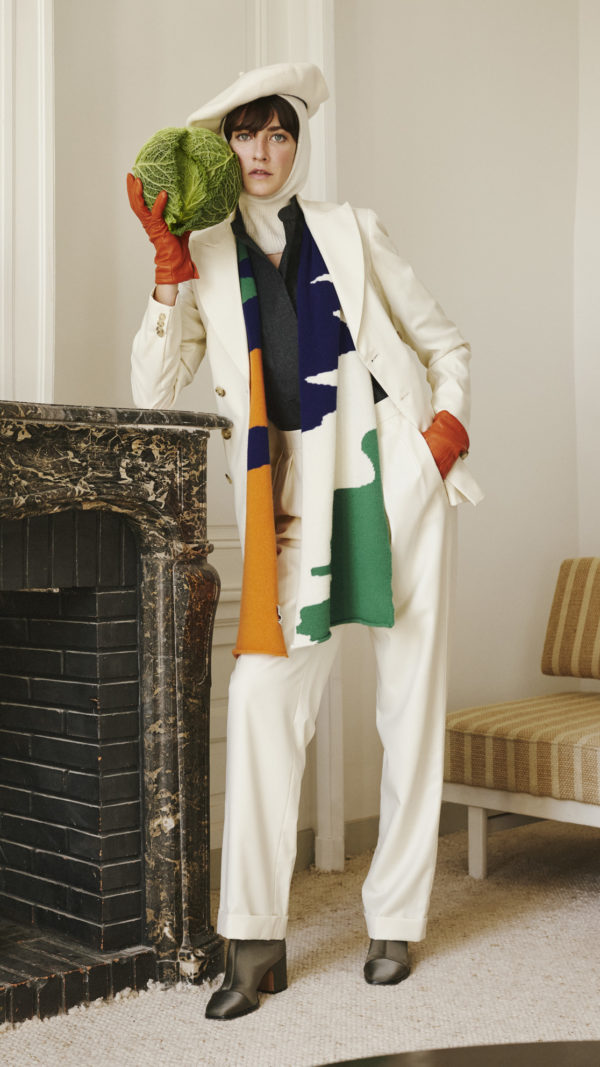 DADA-Diane-Ducasse-AH21-top-polo-flanelle-anthracite-blazer-jim-costume-pantalon-jules-ivoire-echarpe-camouflage-maille