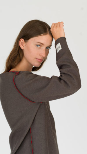 dada-diane-ducasse-pull-bateau-jersey-rouge-khaki-ah-17-profil