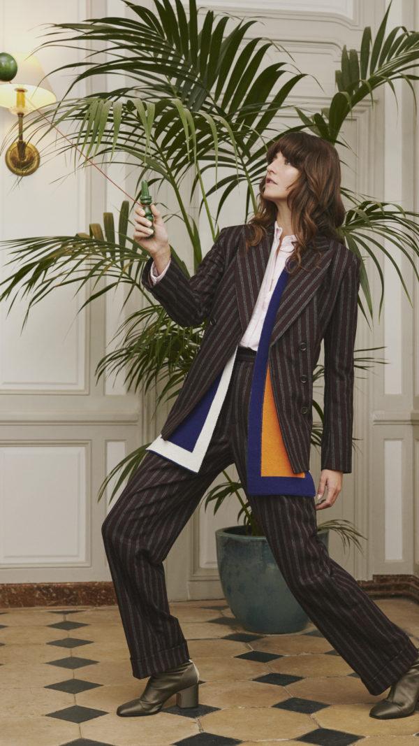 DADA-Diane-Ducasse-AH21-costume-laine-rayure-bordeaux-jules-jim-echarpe-maille