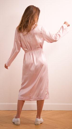 DADA-DIANE-DUCASSE-robe-peignoir-soie-raye-rose-dos