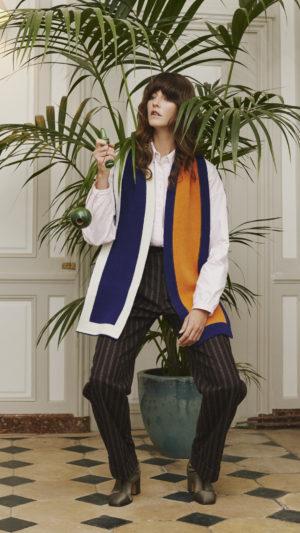 DADA-Diane-Ducasse-AH21-costume-laine-rayure-bordeaux-jules-jim-echarpe-maille-chemise-pilou-rose