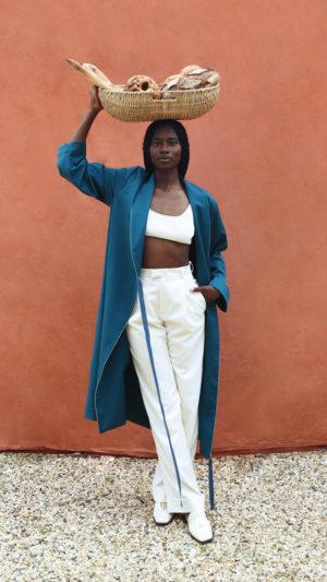 DADA-Diane-Ducasse-PE21-peignoir-flanelle-petrole-pantalon-ivoire