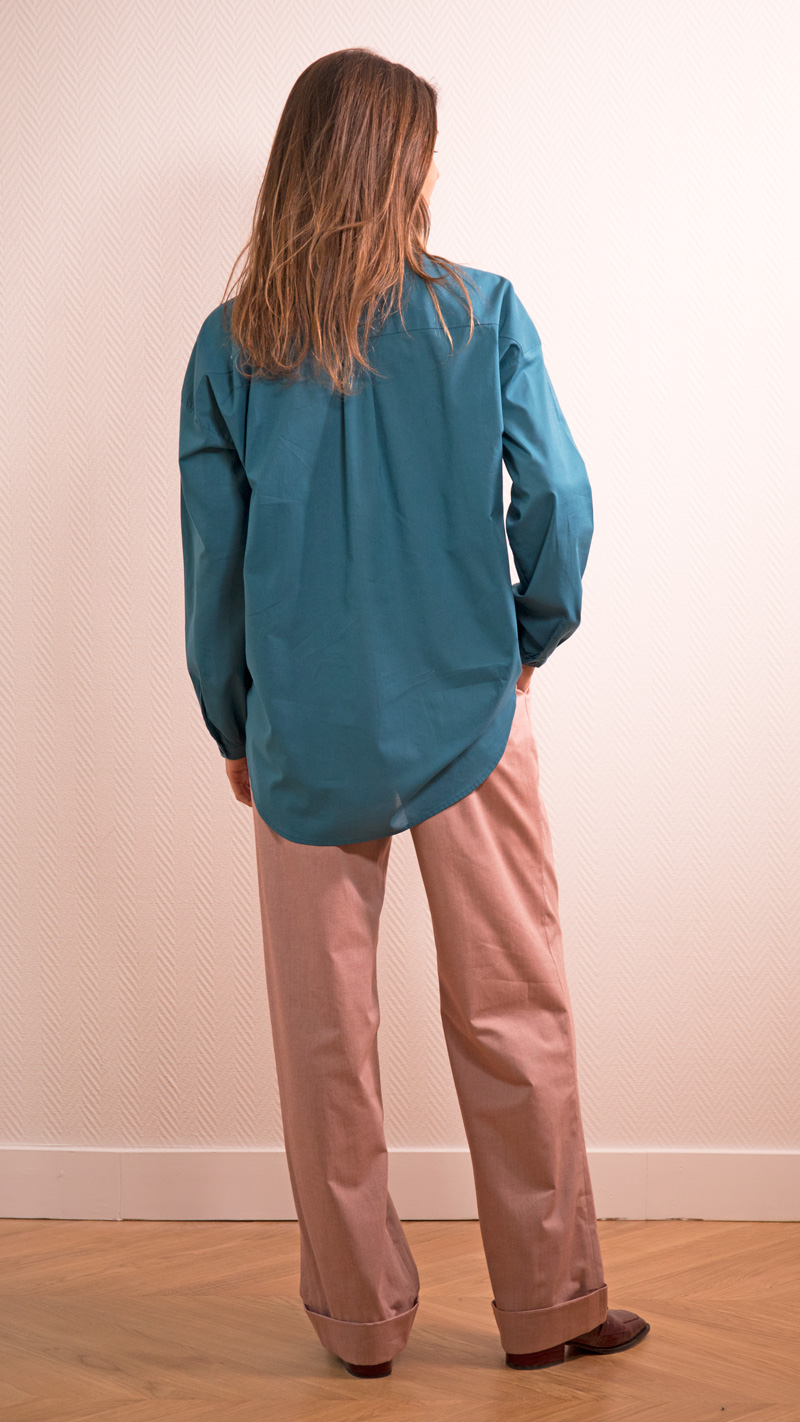 DADA-DIANE-DUCASSE-chemise-oversized-drape-coton-bleu-petrole-dos