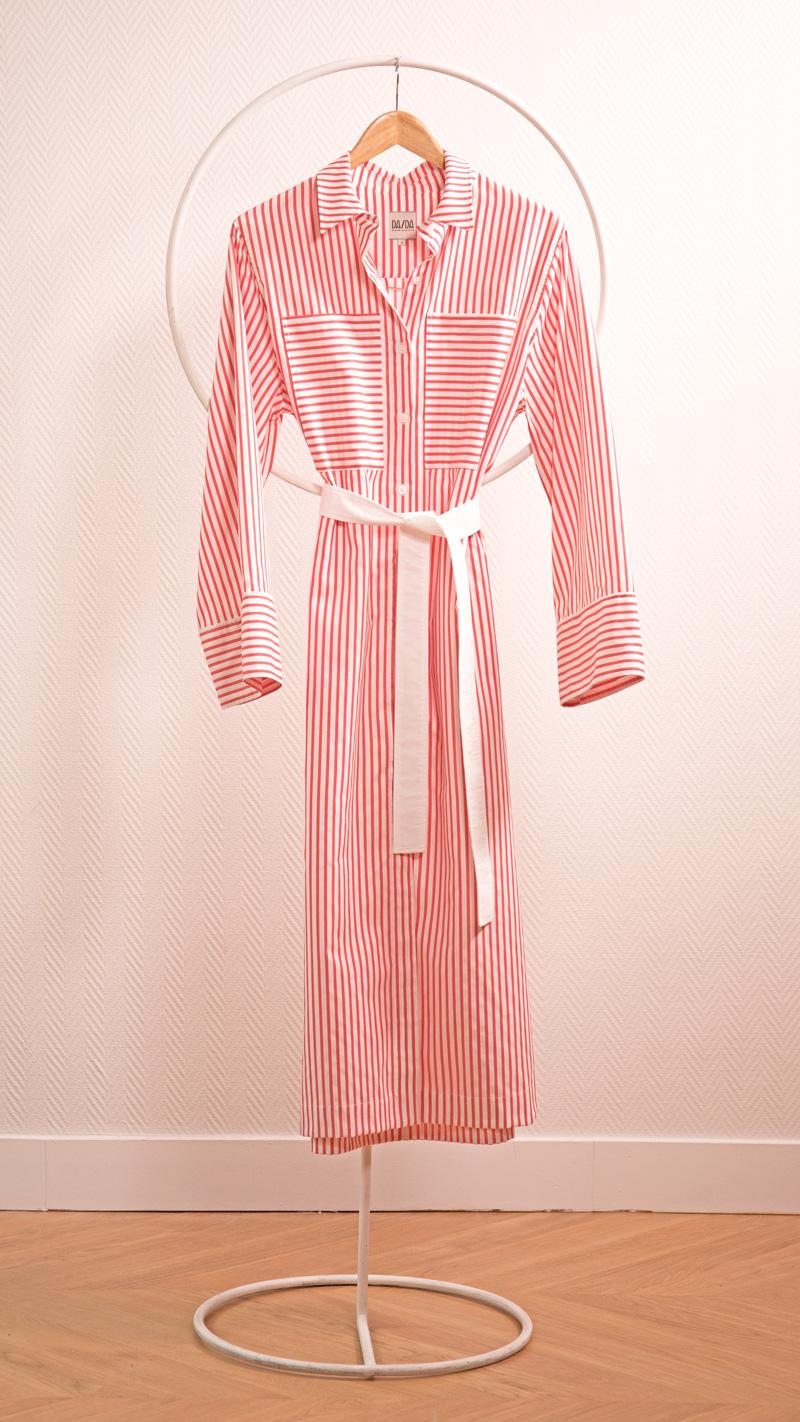 DADA-DIANE-DUCASSE-robe-chemise-oversized-coton-popeline-rayure-orange-packshot-noeud