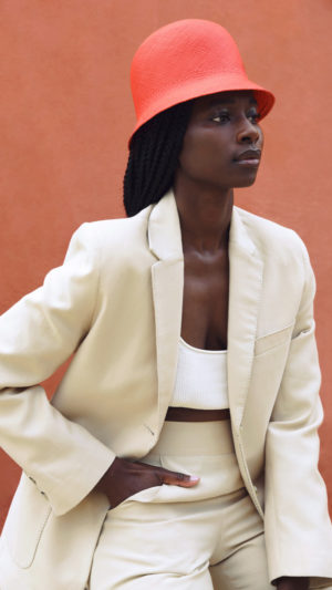 DADA-Diane-Ducasse-PE21-costume-short-coton-soie-beige-ret-fp