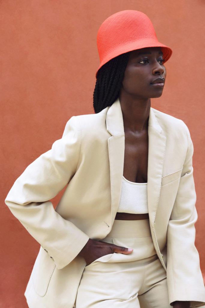 DADA-Diane-Ducasse-PE21-costume-short-coton-soie-beige-ret-web