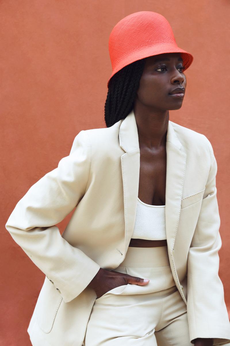 DADA-Diane-Ducasse-PE21-costume-short-coton-soie-beige-web