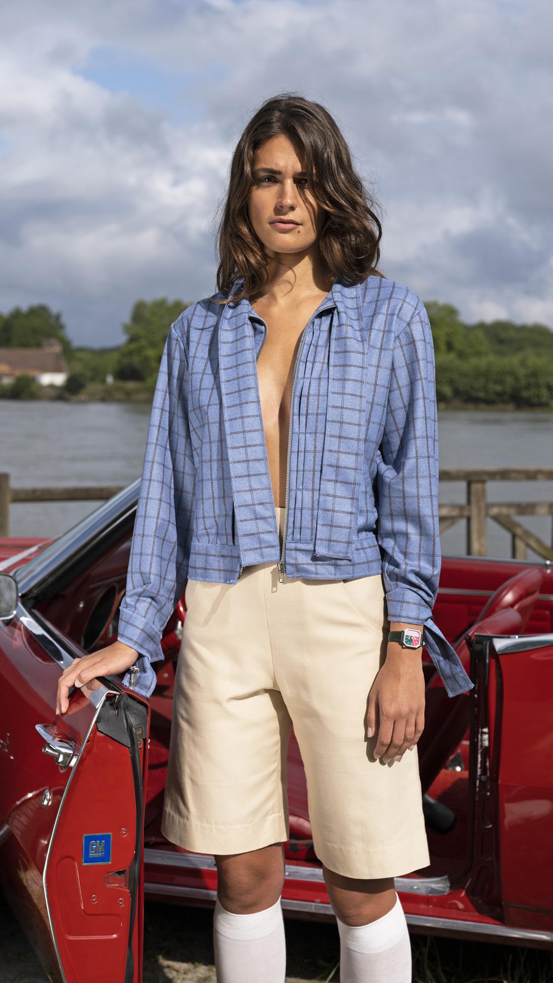 DADA-Diane-Ducasse-AH21-flanelle-bleu-carreaux-blouson-lavalliere-bermuda-soie-beige-montre-marchlab-1